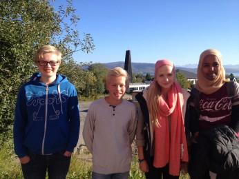 Theodor Bjørnerøy, Jørgen Larsen, Ulrikke Kolbeinsen og Suhayr Abdi liker å være anmeldere